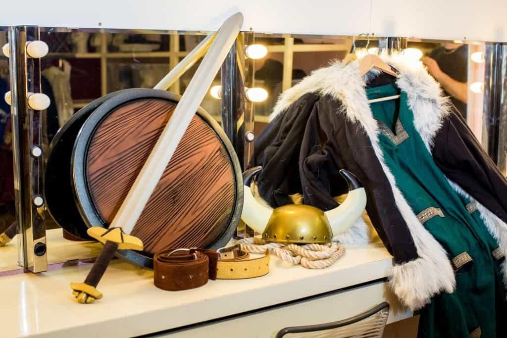Alle Utensilien für ein Wikinger-Kostüm, Foto: Heide Park Resort, 2016