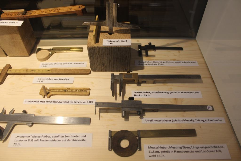 Auswahl von Mess-Werkzeugen aus der Sammlung Goerth Foto: Deutsches Salzmuseum