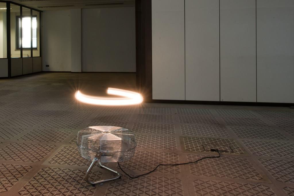 """Thomas Reul, Lichtkreis, 2016 / 2013, Lichtinstallation, Teil der Werkgruppe """"Die Welt als Konzentration rückkoppelnder Empfindungen""""  Foto: Claudius Lazzeroni"""