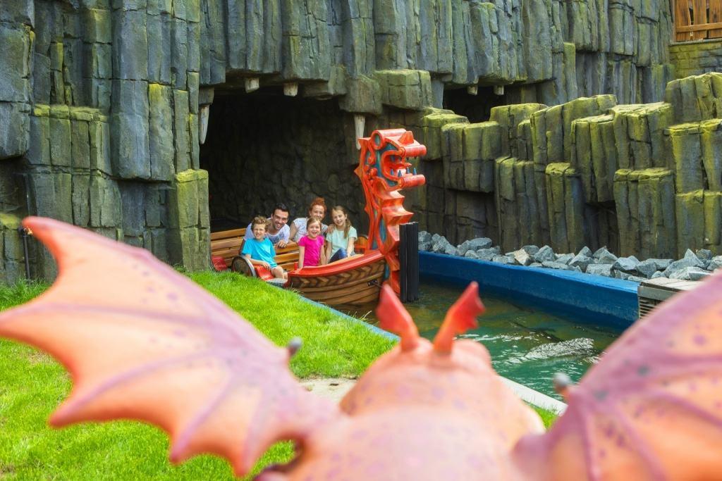 Drachengrotte in der Themenwelt: Drachenzähmen - Die Insel Foto: Heide Park Resort, 2017