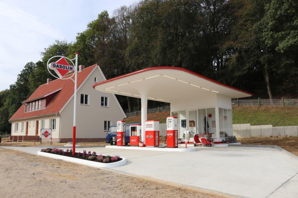 Die 1950er-Jahre-Tankstelle am Kiekeberg, © FLMK