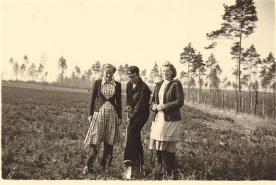 Historische Aufnahme, Kulturfrauen im Forstamt Örrel, Foto: H. Ringewaldt