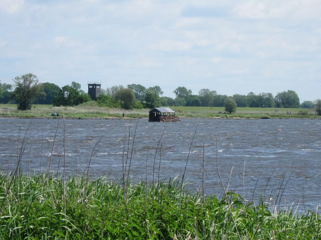 Darchau - Mit einem Floß die Elbe entdecken