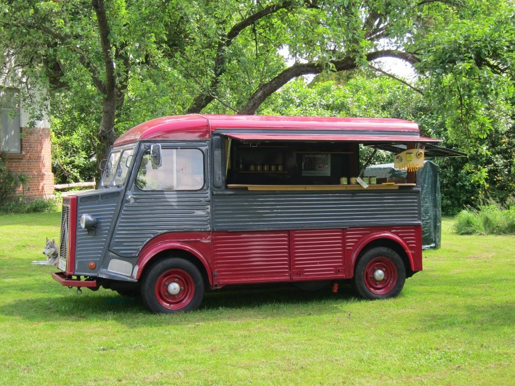 Kulturelle Landpartie 2017 - Alte Schule Zadrau - Honig-Verkaufswagen
