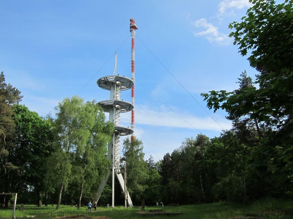 Kulturelle Landpartie 2017 - Höhbeck - mit Sendemast Gartow 2 und Antennenträger Gartow III
