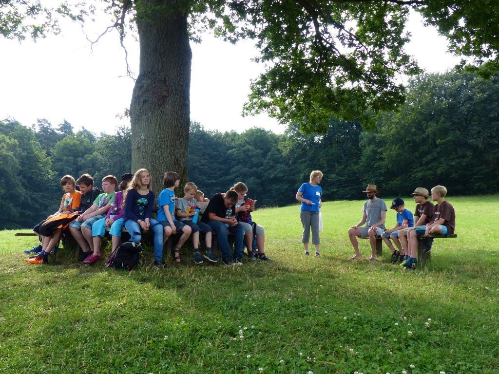 Mit Freunden eine Woche lang die Natur genießen und die Lüneburger Heide entdecken. Foto: Naturpark Lüneburger Heide