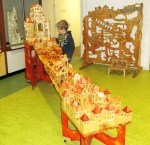 """Eine besonders große Murmelbahn ist """"Stadt-Land-Burg""""."""