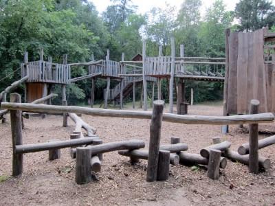 Abenteuerspielplatz im Wald in Bispingen an der K 39