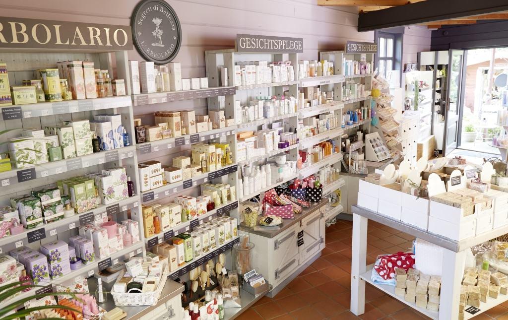 Naturkosmetik in der Waschzuber-Kosmetikwelt, zum Beispiel von L'Erbolario.