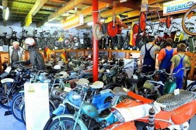 ET-Zweiradmuseum Sassenburg - Blick in die Moped-Ausstellung
