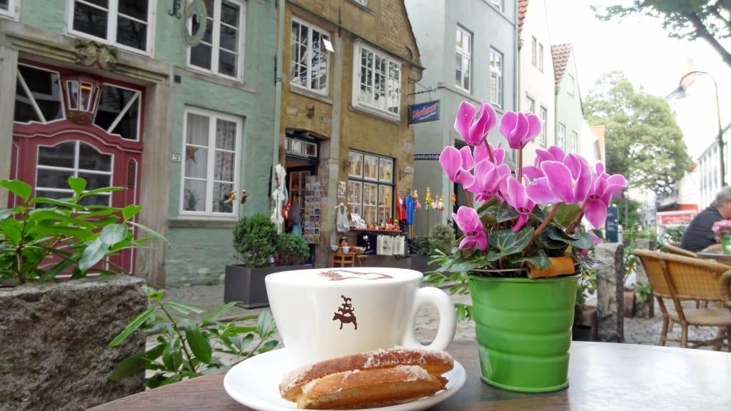 BTZ_5647_Schnoorkonditorei - Kaffee und Kaffeebrot.jpg, Copyright: Ingrid Krause / BTZ Bremer Touristik-Zentrale