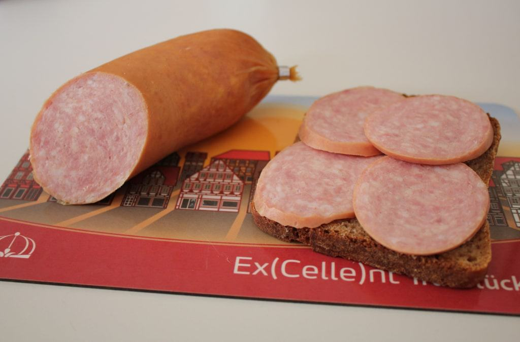 Celler Gekochte schmeckt zu Kartoffelsalat ebenso wie auf einer Scheibe Celler Landbrot. Foto: CTM GmbH