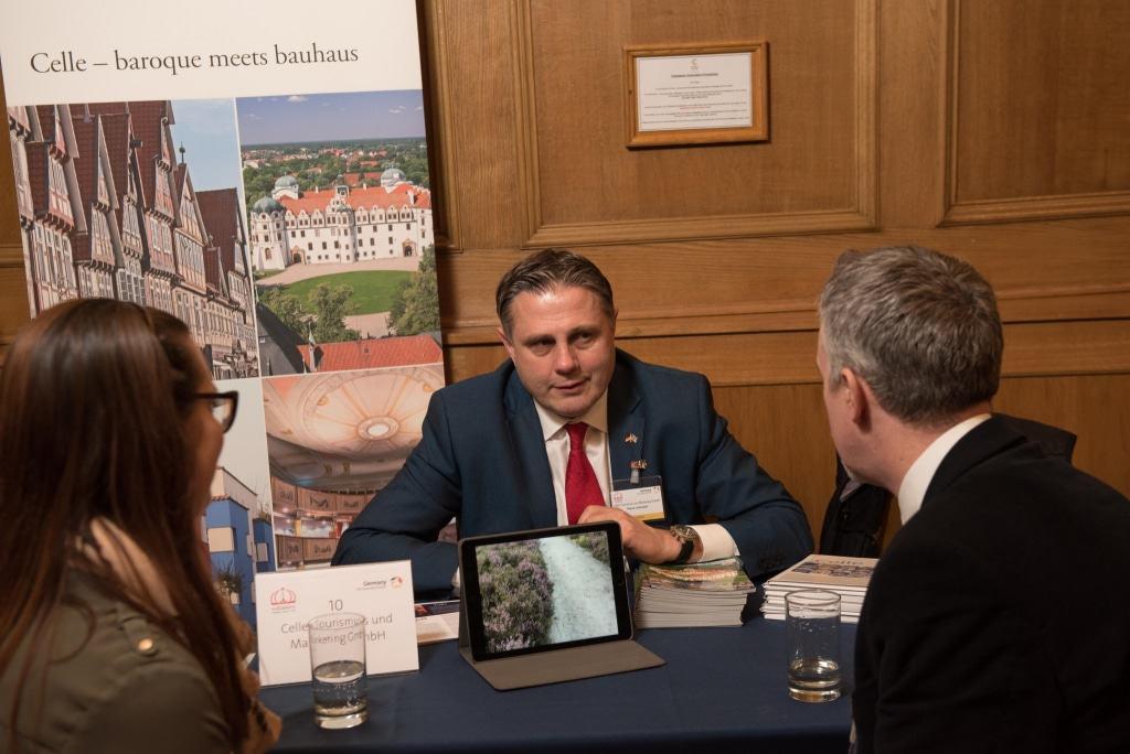 CTM Geschäftsführer Klaus Lohmann überzeugt auf der Germany Travel Show britische Reiseveranstalter und Journalisten von den Vorzügen Celles ©CTM GmbH; www.celle-tourismus.de