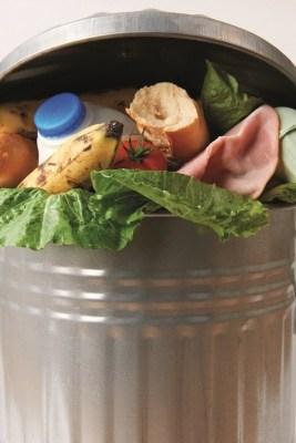 """Die Ausstellung """"Zu viel des Guten! Was ist unser Essen wert?"""" hinterfragt kritisch den heutigen Umgang mit Lebensmitteln und deren Verschwendung.  Quelle: iStock"""