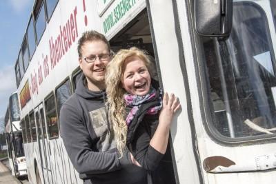 Das frisch verlobte Paar aus Frankfurt am Safaribus, Foto: Serengeti-Park