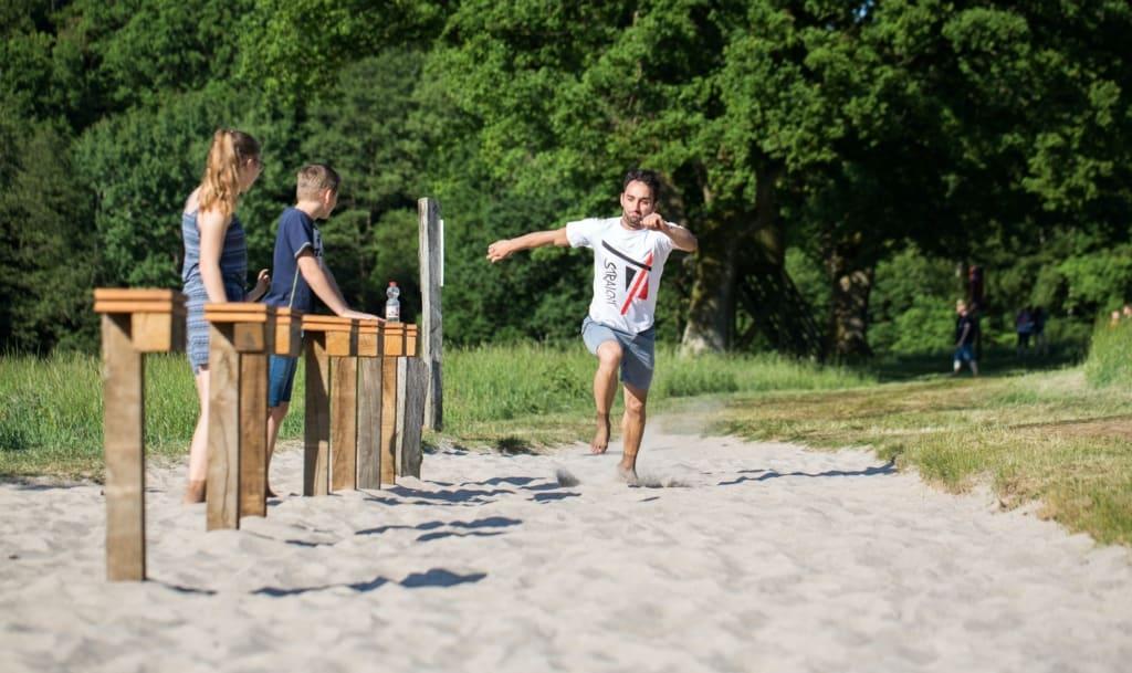 Draußen aktiv im Barfußpark, Foto: Barfußpark Lüneburger Heide