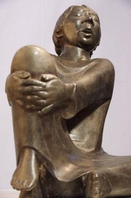Ernst Barlach, Der singende Mann, 1928, Bronze, Ernst Barlach Stiftung Güstrow, Foto: Andreas Schoelzel, Berlin (aus Katalog)