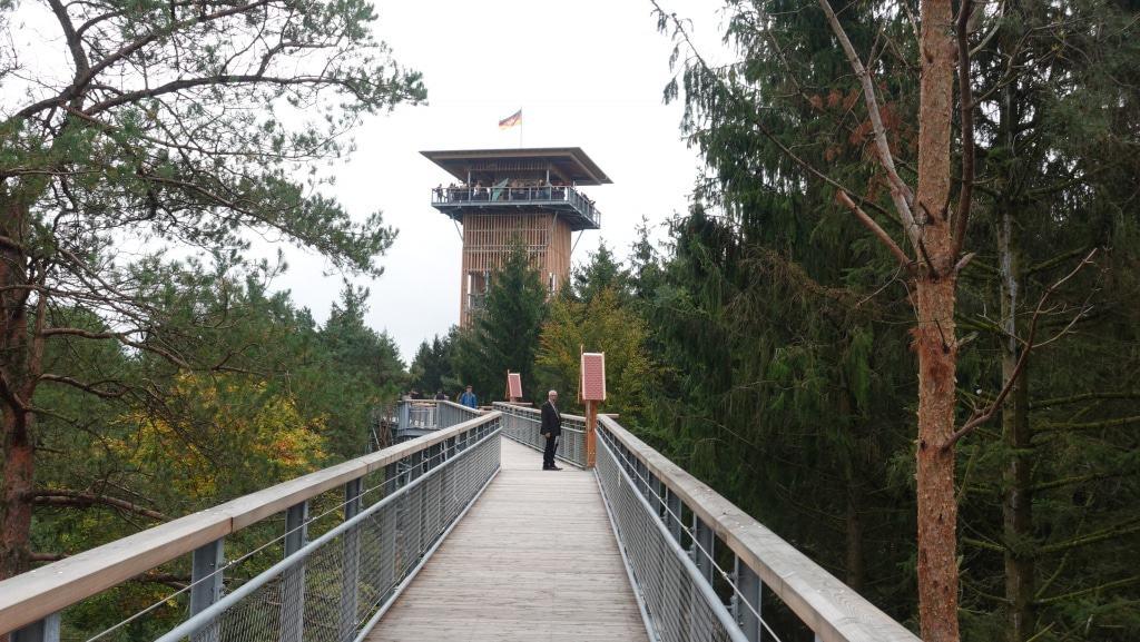 Blick auf den 45m hohen Turm mit Aussichtsplattform