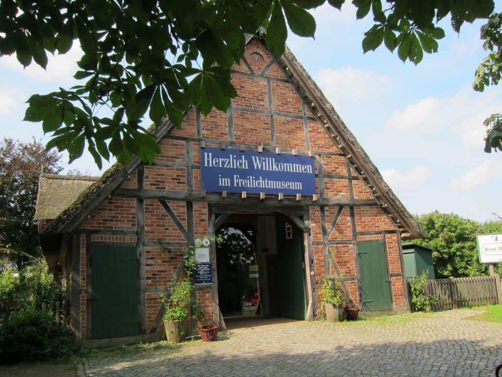 Eingangsbereich des Freilichtmuseums am Kiekeberg, Rosengarten-Ehestorf