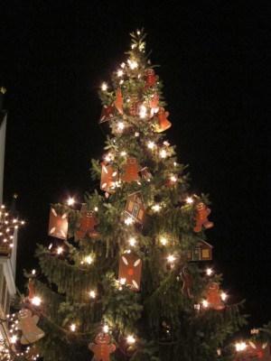 Geschmückter Weihnachtsbaum Celler Weihnachtsmarkt 2015