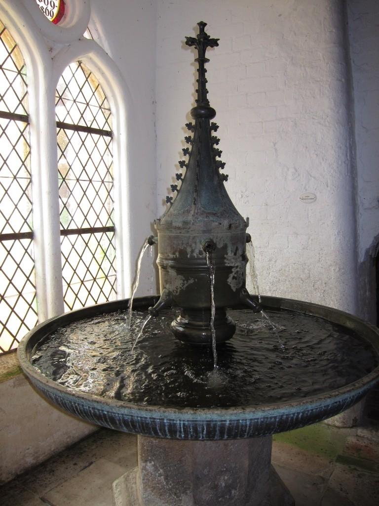 Gotischer Handstein (Brunnen) in der Brunnenhalle in Kloster Lüne, Lüneburg