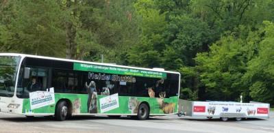 Heide-Shuttle Bus und Fahrradanhänger - Foto Naturpark Lüneburger Heide eV