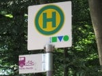 Markierung der Heideshuttle-Haltestellen - Heideshuttle-Logo