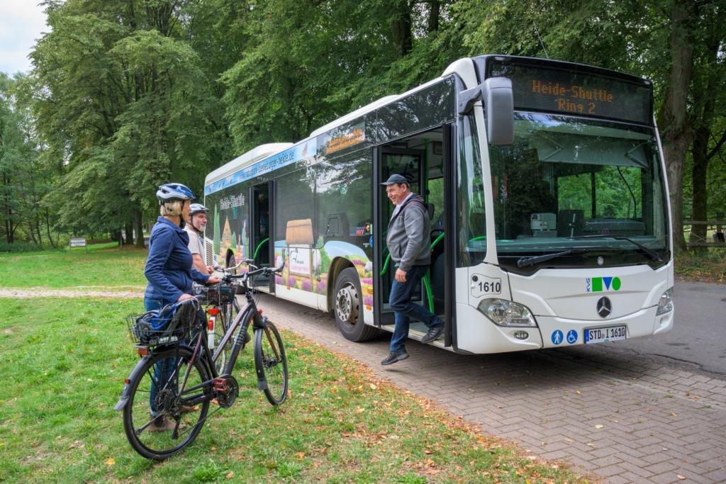 Jeder fünfte Fahrgast hatte 2019 ein Fahrrad dabei. Foto: Naturpark Lüneburger Heide