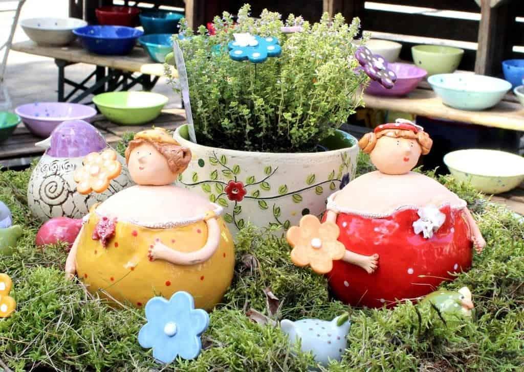 Aus dem vielfältigen Angebot: Keramikarbeiten für Haus und Garten.  © Bachmann-Museum Bremervörde