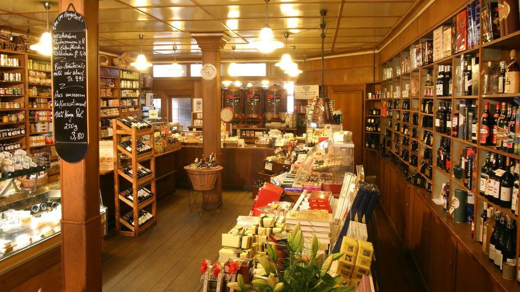 Rund zwanzig hausgeröstete Kaffee- und Espressosorten finden Sie bei Huth's Kaffee & Feinkost. Foto: CTM GmbH