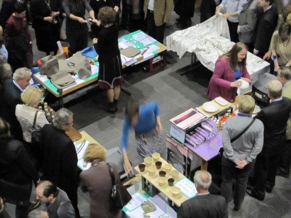 """Ab 19.08.2017 im Kunstverein Springhornhof in Neuenkirchen: """"International Village Shop"""" der Künstlerinnengrupep Myvillages."""
