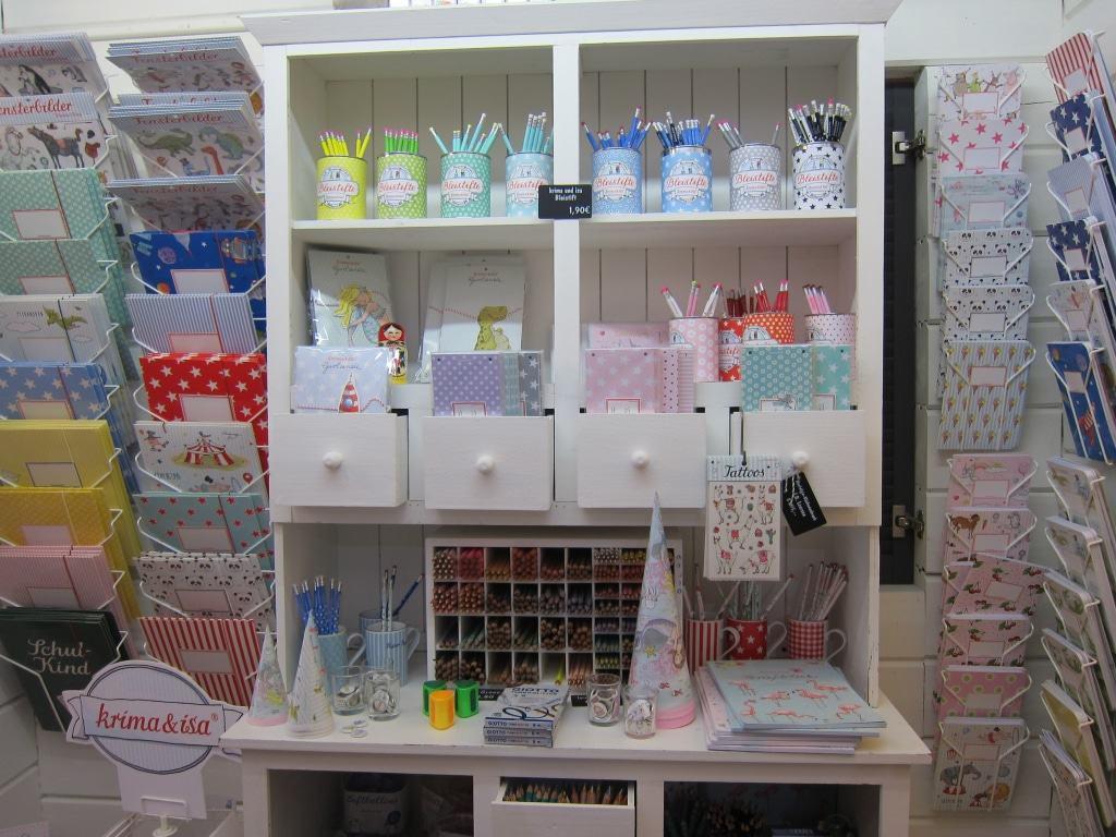 Krima & Isa-Shop – Geschenkpapier, Karten, Fensterbilder und mehr