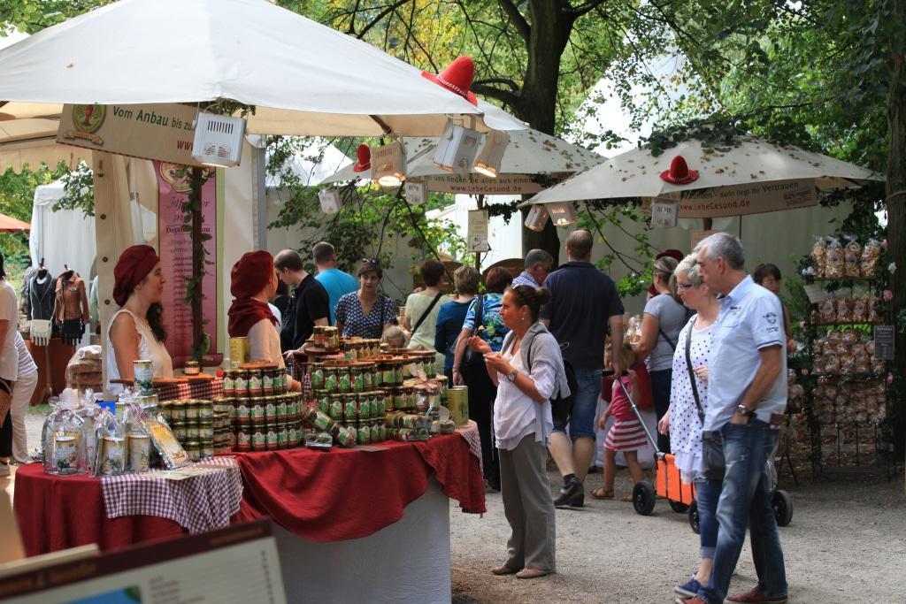 Egal wie das Wetter wird, auf dem Herbstestival gibt es kulinarische Angebote für jeden Geschmack. Foto: Evergreen, Kassel