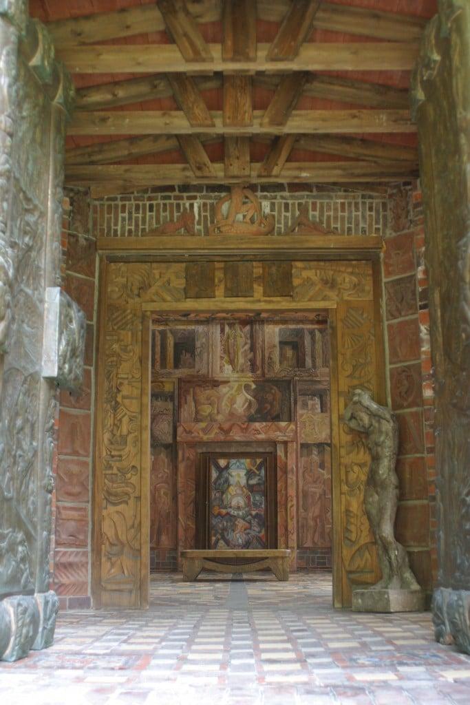 Eingang Kunsttempel, offen, Foto: Kunststätte Bossard