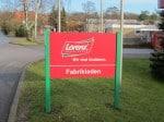 Firmenschild Lorenz Snack-World Werksverkauf in Hankensbüttel
