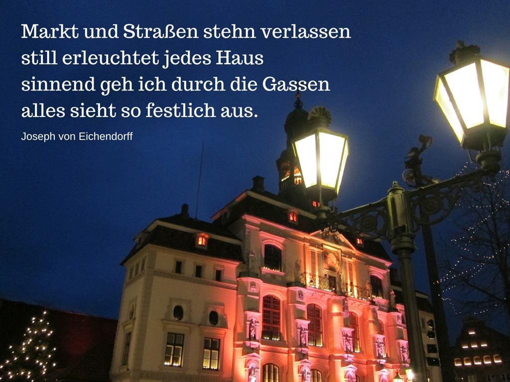 Rathaus Lüneburg mit Gedicht von Joseph von Eichendorff