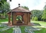 Kristalle, Pilze und ein Teepavillon am Ententeich