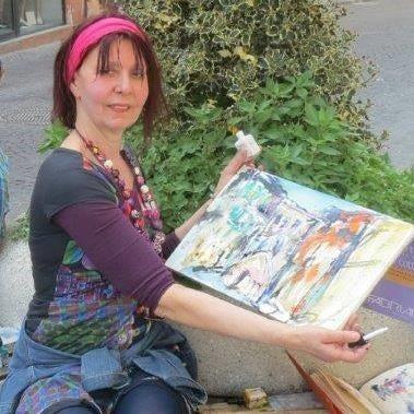 Die Künstlerin Rita Dahlem mit einem ihrer Werke.