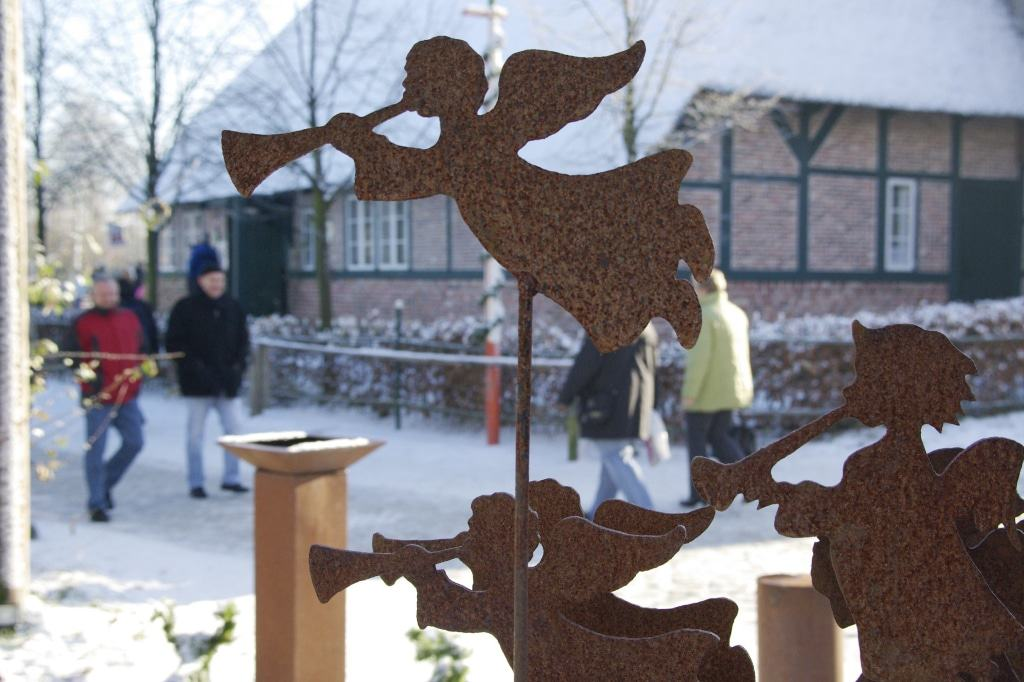 Weihnachtsmarkt der Kunsthandwerker Bild: FLMK