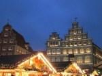 Weihnachtsmarkt in Lüneburg - Blick auf das Gebäude der IHK Am Sande